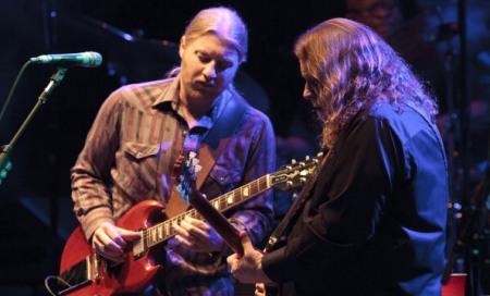 NEW YORK, NY - MARCH 09: Derek Trucks and Warren Haynes perform at the Beacon Theatre on March 9, 2012 in New York City. (Photo by Cory Schwartz/Getty Images)